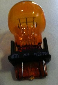 3757A S25 PY 27/7W 12V AMBER Amerikaan LAMP BULB